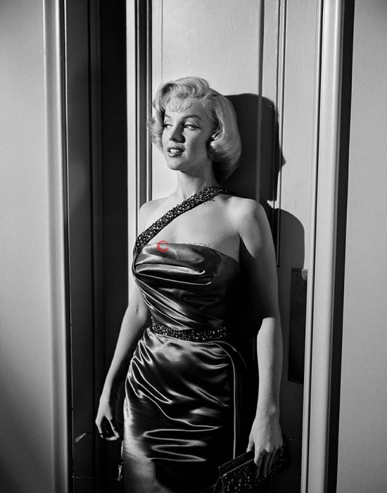 "Marilyn Monroe on the Set of ""How to Marry a Millionaire"" 1"