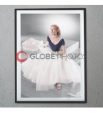 Grace Kelly: Classic Portrait of Elegance thumbnail 2